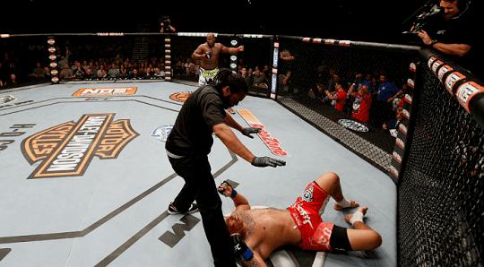 UFC. Марк Хант – Деррик Льюис. Прогноз на бой 11.06.2017